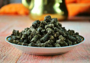 Ферментированные листья смородины